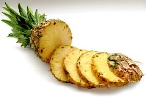 pineapple-636562_1920